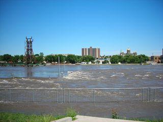 20080613_Des_Moines_River