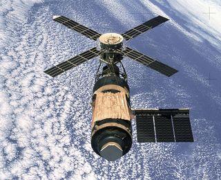 1280px-Skylab_(SL-4)
